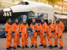 JSC2008-E-119073 -- The STS-126 crew members