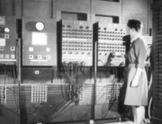 Two_women_operating_ENIAC