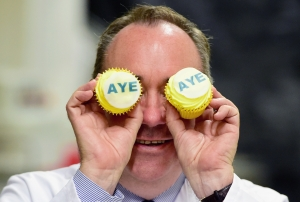 Ayes on the prize: Alex Salmond visits Brownings bakers in Kilmarnock, 3 September. Photo: Getty